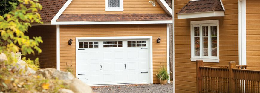 Garage verkleiden mit wartungsarmen Fassadenpaneelen