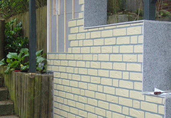 Mauer mit VinyBrick Klinker aus Kunststoff bekleiden