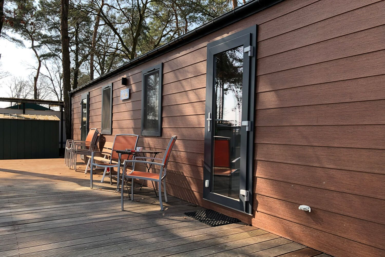 Mobilheim mit Kunstholz